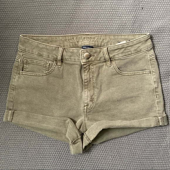 American Eagle high-rise shortie - size 10
